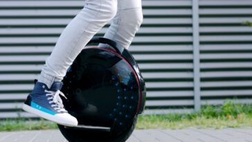 Benefits of Owning a Single Wheel Electric Scooter