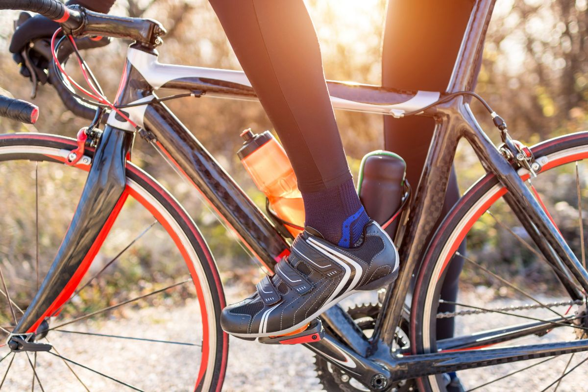 6 Best Shoes for Bike Commuting