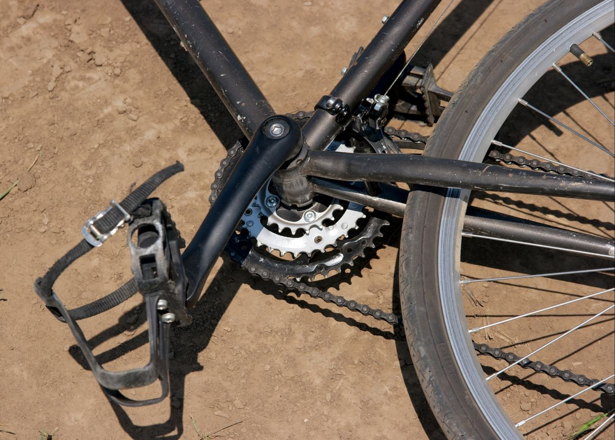 Best Bike Pedals with Toe Clips and Straps