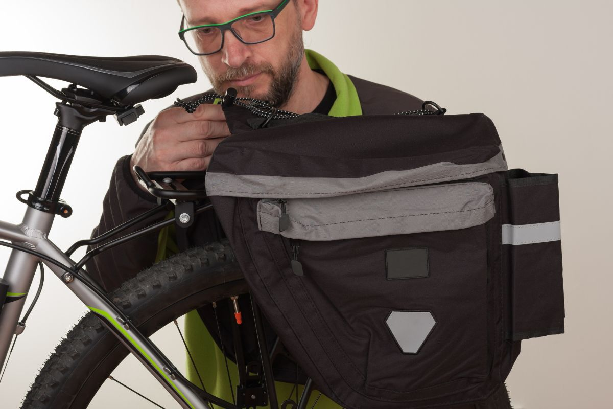 Buyer's Guide for Best Bike Rear Bag for a Rack