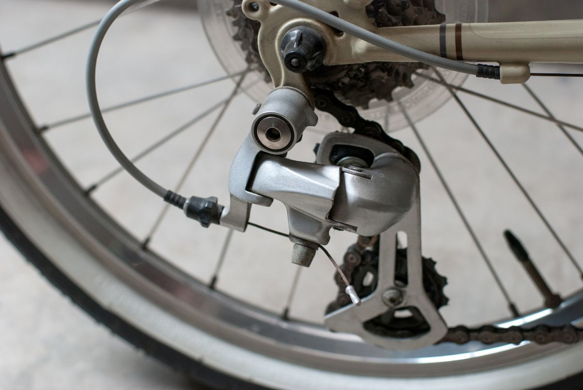 Guide on How to Adjust Front Derailleur on Mountain Bike