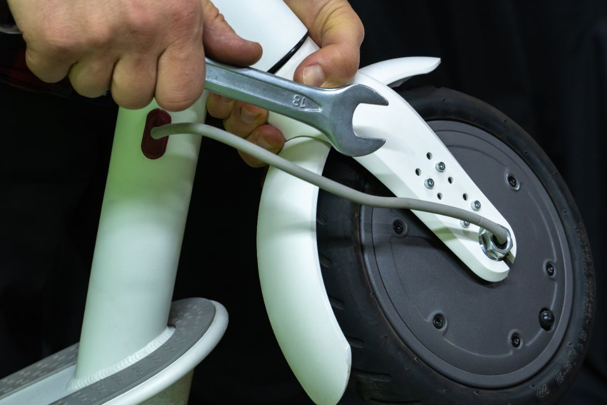 How to Assemble a Rear Wheel of an Electrical Scooter