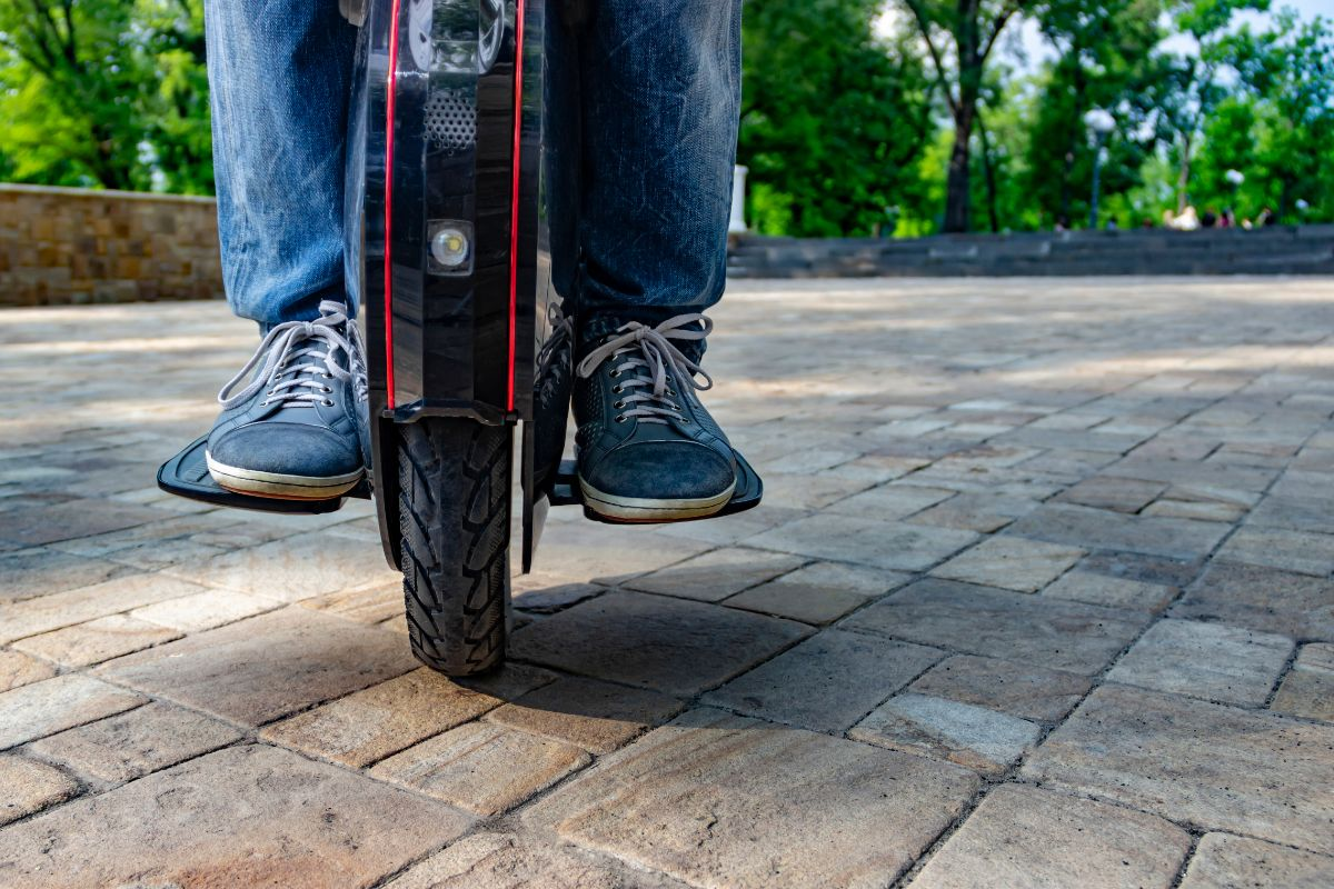 3 Of The Best Electric Unicycles With A Seat