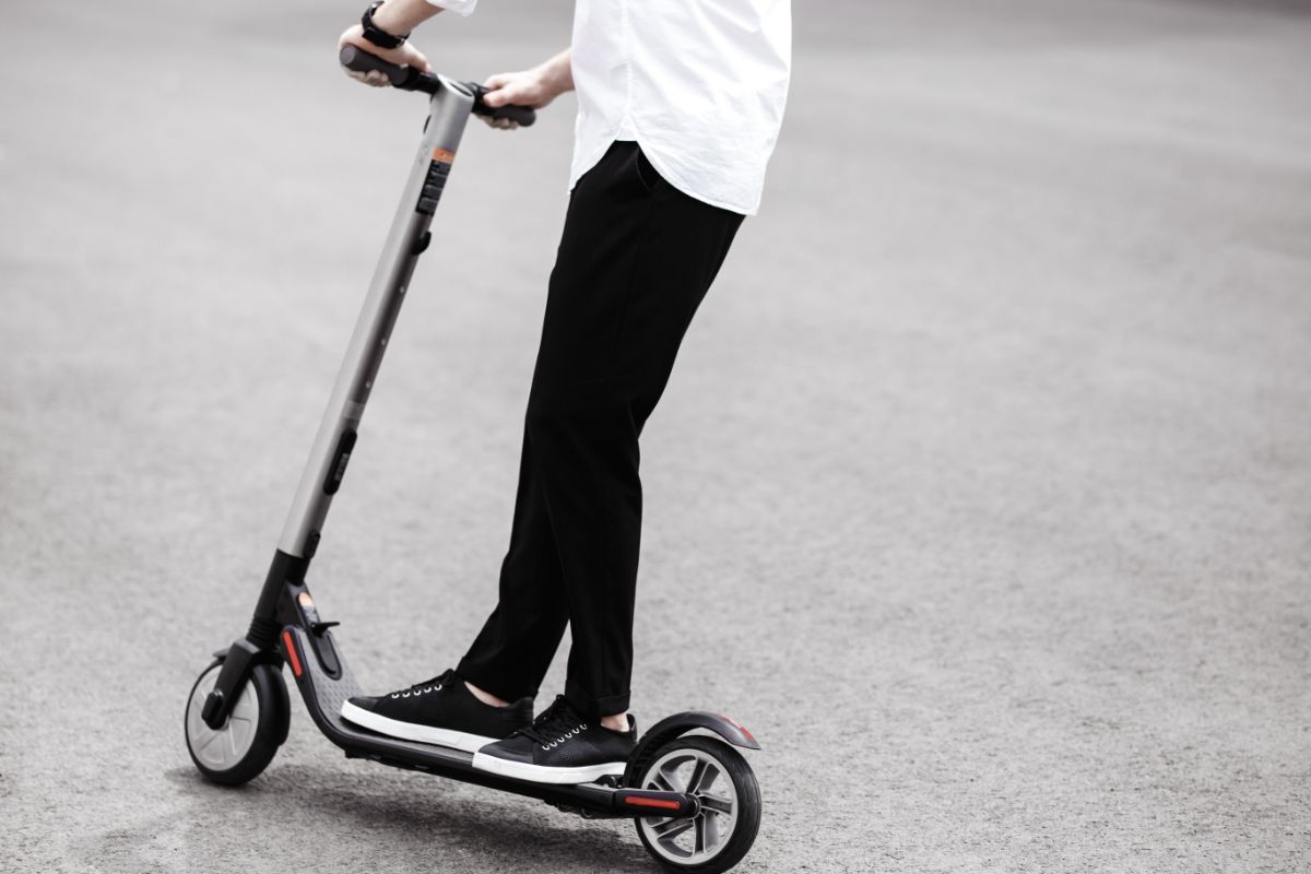 Glion Dolly Electric Scooter Specification