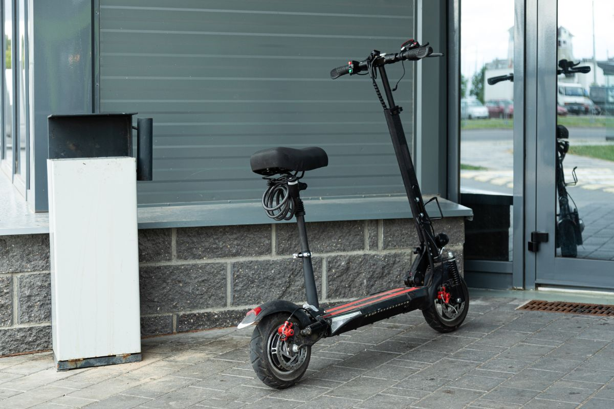 Schwinn S750 Electric Scooter Detailed Review