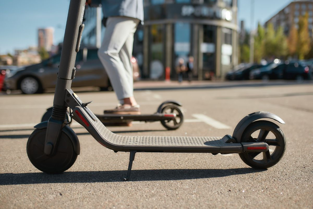 side view electric scooter
